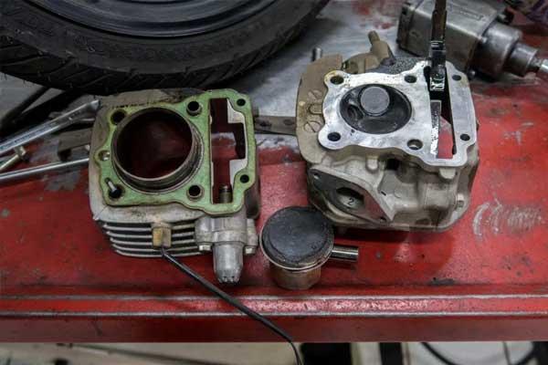 Efek Mesin Motor  Berkerak  Selain Boros BBM Juga Bisa Merusak Mesin Motor