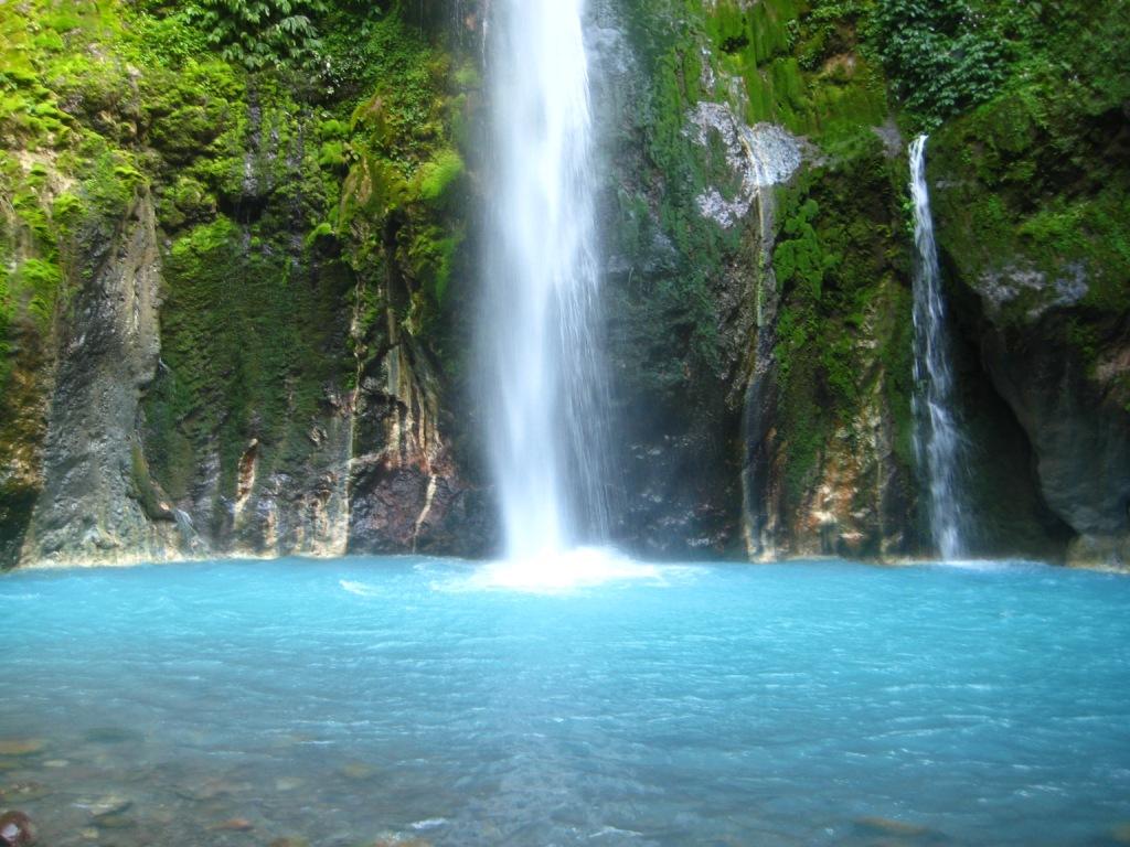 Daftar Lokasi Wisata Air Terjun yang Ada di Indonesia Buat Persiapan Libur 19 Oktober 2021